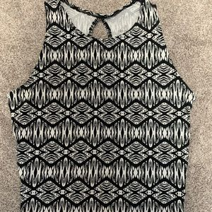 Black and White Crop Top -Small